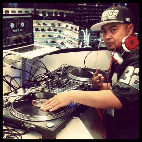 Video DJ Jhunboy LATEST LIVE Mix 18th Oct 2013