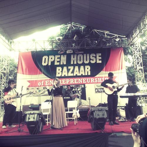 Hari Bersamanya - Dita Oktaria, @Maulidadwi, @Luthfianshori_ (jazz cover)