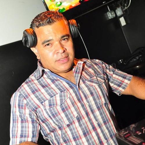 V5 DJ CATRACHOMAN BACHATAZO HITS 2013
