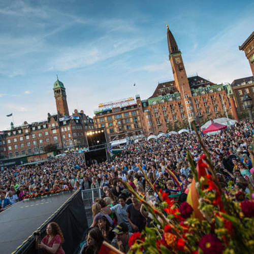 Dancing Queen Live - Copenhagen Town Hall Square
