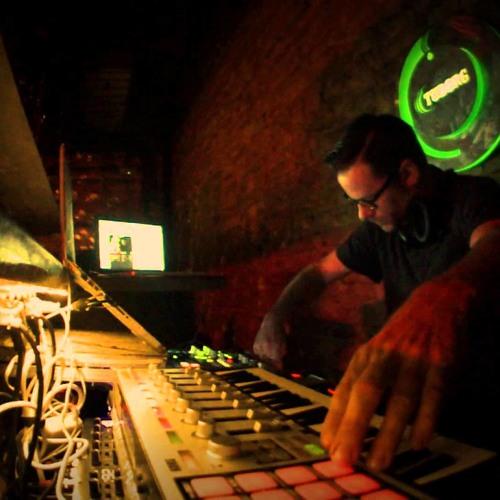 Kevin Yost - Live & Improvised - ( Pod Cast 4 ) Part1 - Belgrade Serbia - Club Mladost - 17-1013