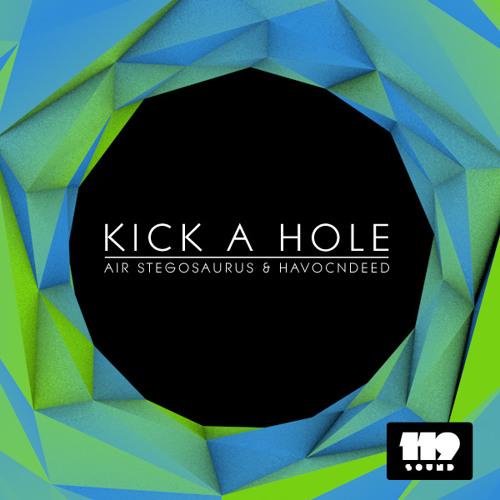 HavocNdeeD vs. Air Stegosaurus - Kick a Hole