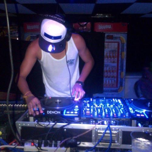 Sigue Viajando (ÑengoFlow) Dbw Remix Prod. Deejay Dennys UnderMusicCompany