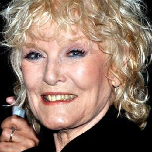 Petula Clark - I Know A Place / A Sign Of The Times  (Guildford, Surrey UK - October 9, 2013)
