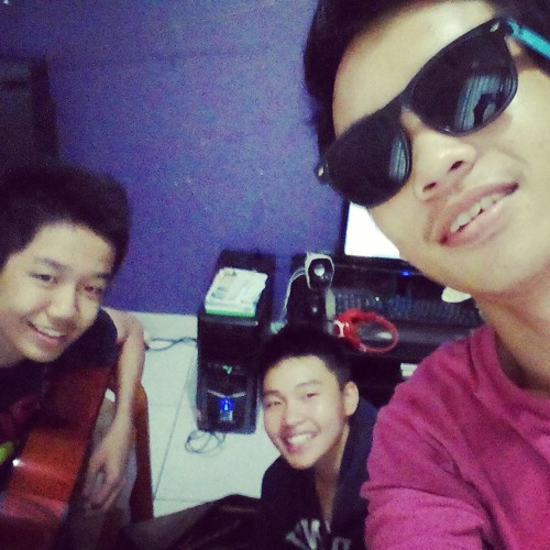 Masih Ada- Agung ,William ,Timoty at Agung house
