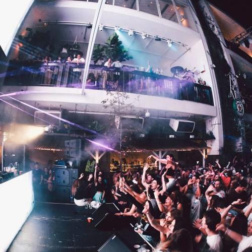 Courtyard Party - Bassline Mix