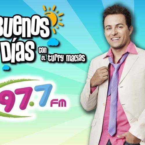 """Arturo """"el Turry"""" Macias y el papayas en los Buenos Dias"""