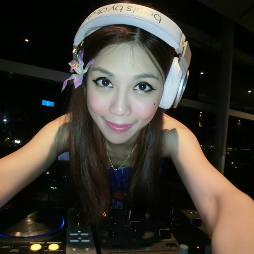DJ Michelle - Classic Electro House Remix EDM