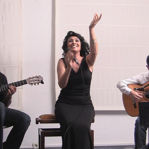 """Angela Muro """"Mi Niña De Esperanza""""  grabación dos guitarras y voz"""