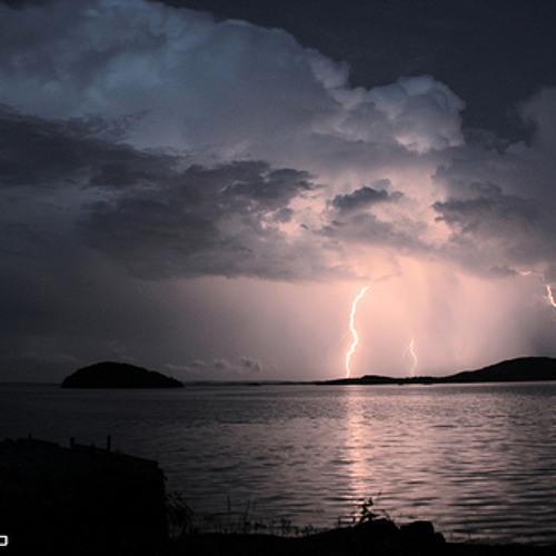 Lightning crashes (Live cover)