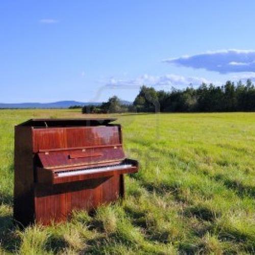 Jazzylla-piano's plain