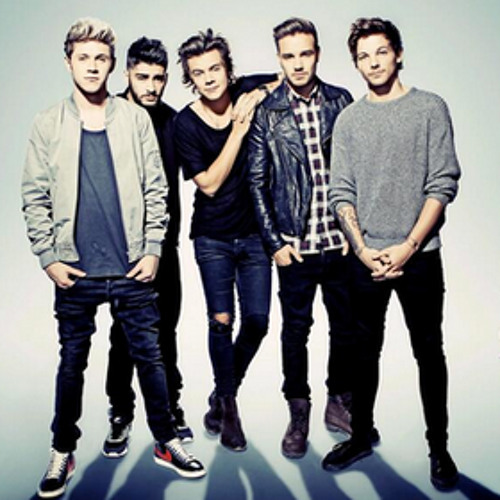 One Direction - Through the Dark (Live on SNL vs Studio Version)