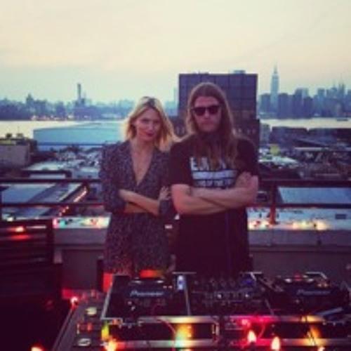 Edda P & Mans E (NoShow) in the Mix Nov '13