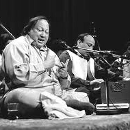 Nusrat Fateh Ali Khan Qawwal - Aj Nazran Naal Pila Saqi - [www Flvto Com]