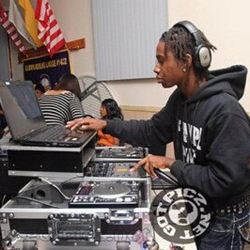 New Jersey Club Mix ( Dec 24th, 2013) @DjTyqueek