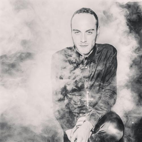 Le Fumeur - House Mixtape Three