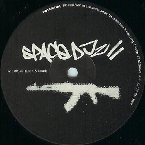 Space DJz @ Neue Heimat 09.09.00 Tape1