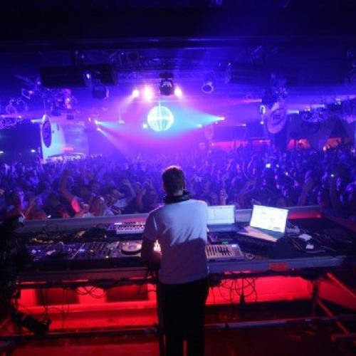 Alfred Azzetto @ Villa Pigalle Live Set New Year 2014  04'30 AM