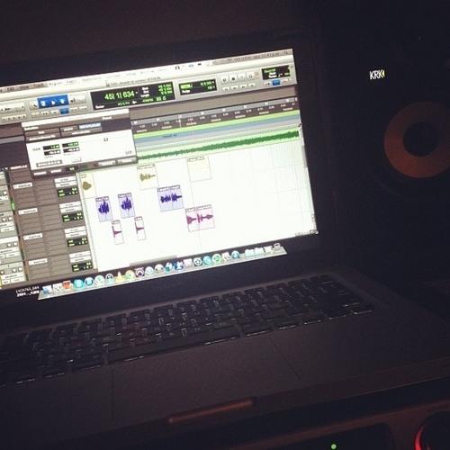 dementes beats --- [[Dj XAvier beats]]-- 0riginal mix 2014 PERS0NAL-- Motivando-tus-sentidos-Demo