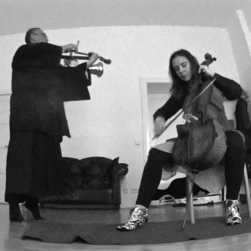 131119 Denitsa & Maresuke plays J.S.Bach Minuet in G