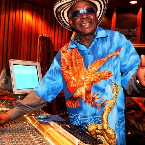 CLAVO Y MARTILLO (BATATA Y SU RUMBA PALENQUERA FEAT.DALLY KIMOKO ) DJ.PANKO RMX