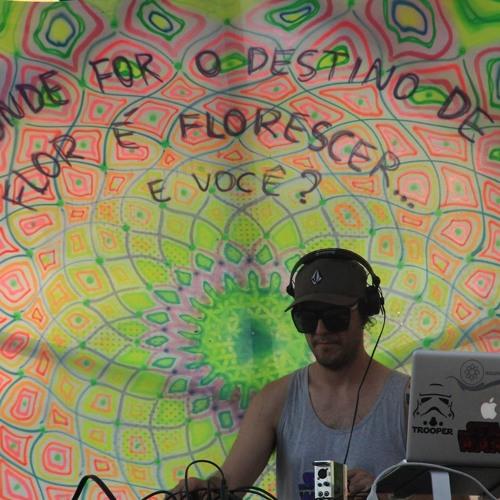 Vazik @ Universo Paralello - Special Downtempo Set - 3 Jan 2014, Brazil