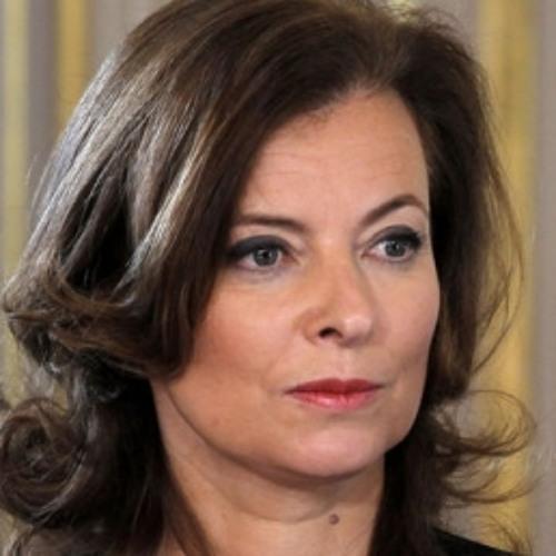 A primeira dama francesa continua internada
