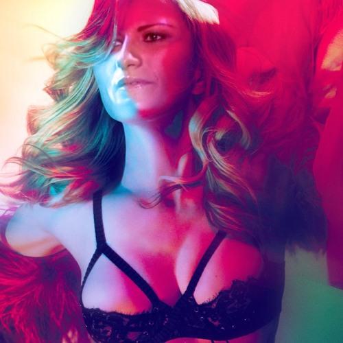 Laura Pausini - Girl Gone Casso