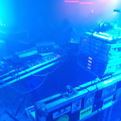 - toysfornoise live - live at Freakwenz Berlin 11-01-2014