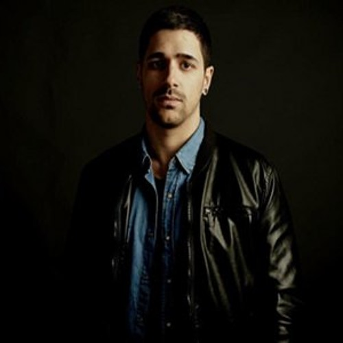 FREE DOWNLOAD: Hector Couto 'Lookin At Me (feat. Forrest)'