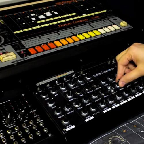 Roland TR-808 vs. 808 DIY Clone Shootout (L-808, R-Clone)