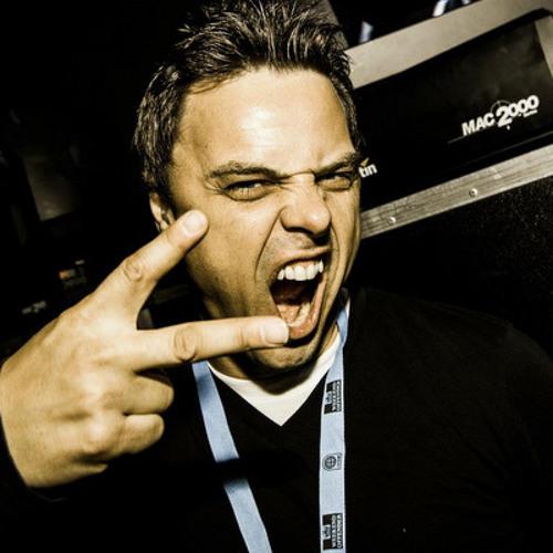 marcusschulz>>>scream 2. GOOD