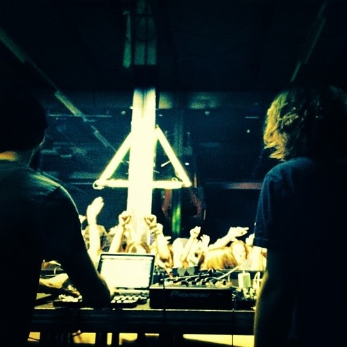 Einmusik & Arjuna Schiks b2b Liveset (recorded at Komm Schon Alter) (extract)