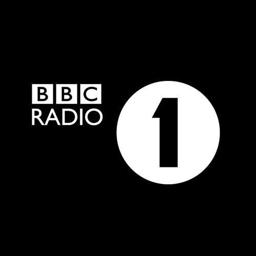 Stadiumx & Taylr Renee - Howl At The Moon(Pete Tong BBC Radio 1 World Premiere)