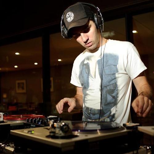 Saam Roberts Ft. BBK - Goin' Hard (Colin Shots Remix)