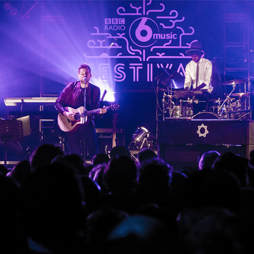 Damon Albarn – Heavy Seas Of Love (live at the BBC Radio 6 Music Festival 2014)