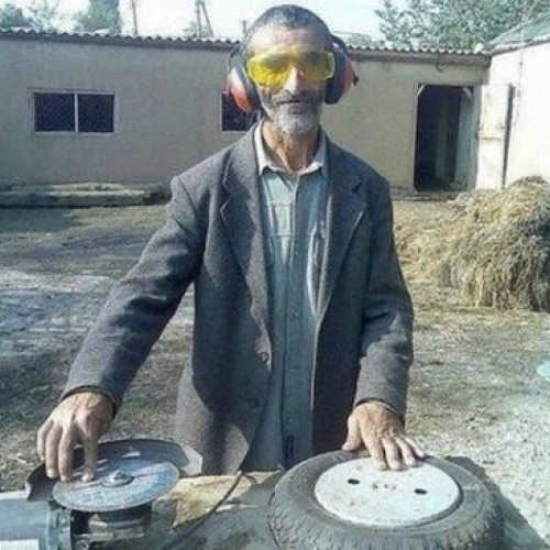 """The Eclectic Circus """"5 Hours Locked in a Room with Loads of Cheap Aldi Lager and some Records"""" Mix"""