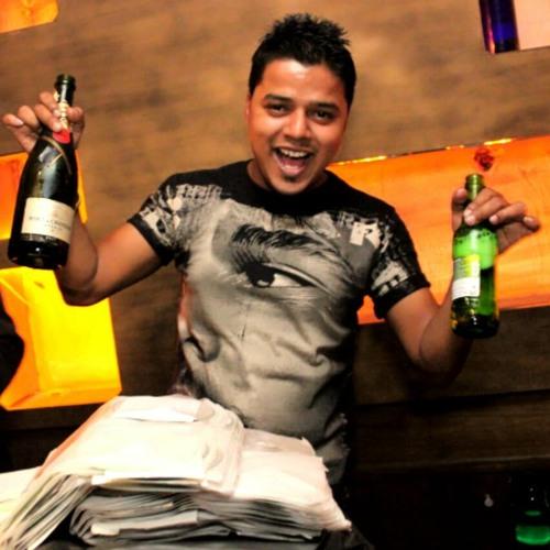 Jashan ki raat | sunidhi chauhan | kumar sanu | latest party song.