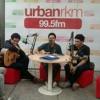 TheOvertunes on Urbanrkm 99.5fm! Enjoy! Sorry lagu Biarlah nya setengah :)