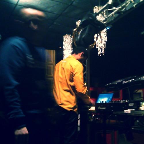 OKWA - Live Recording @Le Petit Salon Invite PiuPiu (Lyon 08.03.2014)