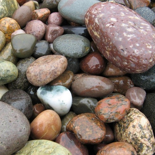 Four Qualities of Happiness using Pebble Meditation