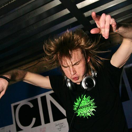 SynSUN - Dj Set @ Independent Night 25+1 (Ukraine, Kiev 23-02-2008)