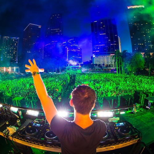 Under Control - Hardwell Remix Live @ Ultra Music Festival 2014