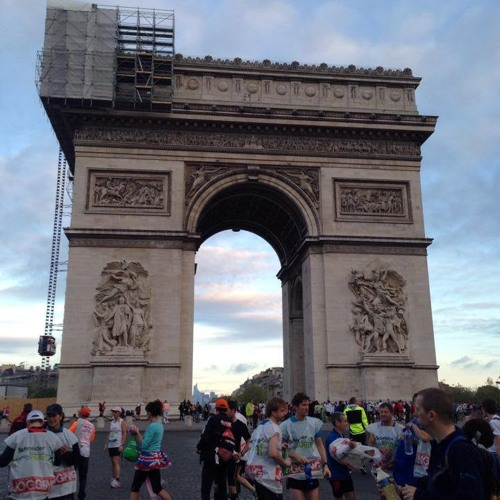 The Sound of the Medals before the Paris Marathon