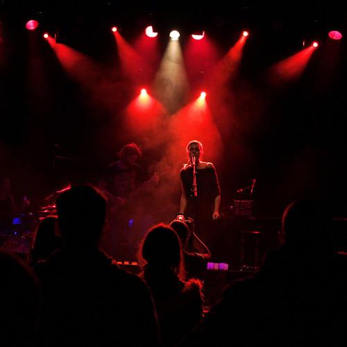 Paroles Dans Le Vent [Live @Antipode]