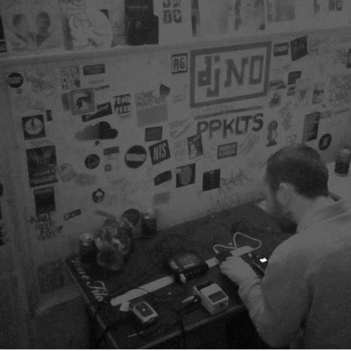 Live in Amsterdam on Red Light Radio (11/03/14)
