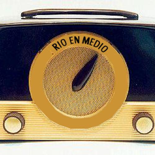 RIO EN MEDIO RADIO