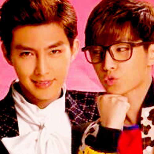 Aaron Yan - 炎亞綸 這不是我 That's Not Me  (三立都會偶像劇「愛上兩個我- Fall in love with me OST」片尾曲)