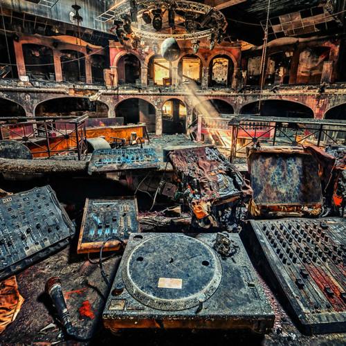 Marton Mars - Closed Room (May Mix)