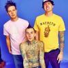 Blink 182 - Down Live @Teen Choice Award '04